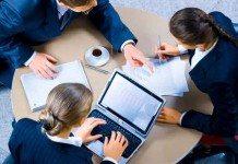 Planejar, organizar, dirigir e controlar uma empresa